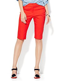 7th-avenue-design-studio-13-bermuda-short-signature-fit-campfire-red