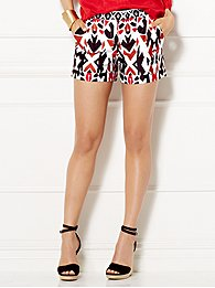 eva-mendes-collection-lottie-short-print-