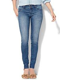 soho-jeans-curve-creator-legging-heights-blue-wash-