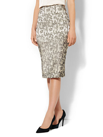 NY&C: 7th Avenue - Gold Lace-Print Pencil Skirt