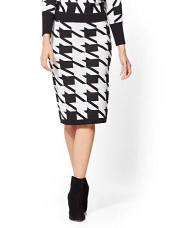 Houndstooth Sweater Skirt by New York & Company