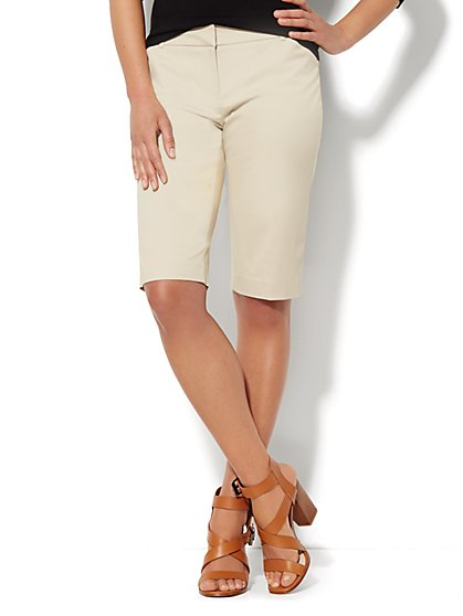 7th Avenue Bermuda Short - Solid  - New York & Company