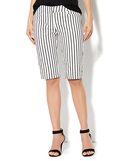 7th Avenue Bermuda Short - Stripe