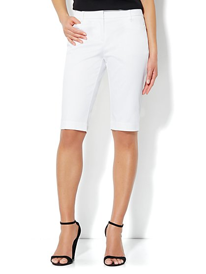 7th Avenue Bermuda Short - White - New York & Company