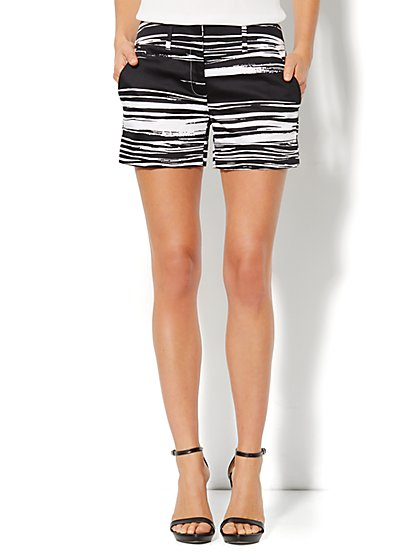 7th Avenue Cuffed Short - Stripe Print