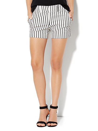 7th Avenue Cuffed Short - Stripe