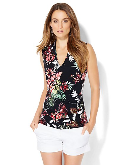7th Avenue Design Studio - Pleated V-Neck Shell - Black Floral  - New York & Company
