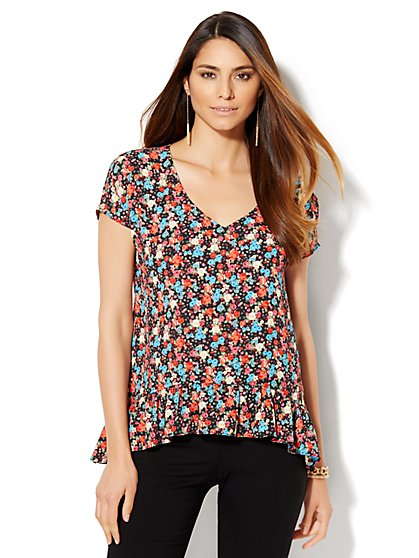 7th Avenue Design Studio - Ruffled V-Neck Blouse - Floral - Black  - New York & Company