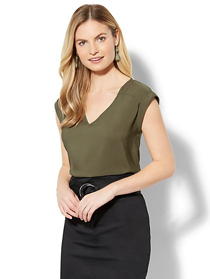 7th Avenue - Hi-Lo V-Neck Top - New York & Company