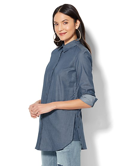 7th Avenue - Madison Stretch Shirt - Buttoned Side-Vent Tunic Shirt - Medium Blue Wash - New York & Company