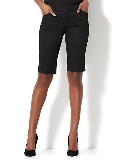7th Avenue - Slim-Leg Bermuda Short - Signature - New York & Company
