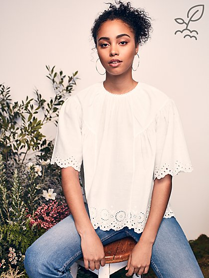 Artiste Embroidered Top in Responsibly-Sourced Cotton - New York & Company