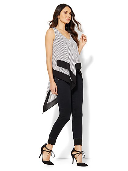 Asymmetrical-Hem V-Neck Top - Striped  - New York & Company