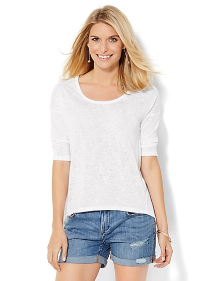 Back-Button Ballet-Neck Tee - Solid  - New York & Company