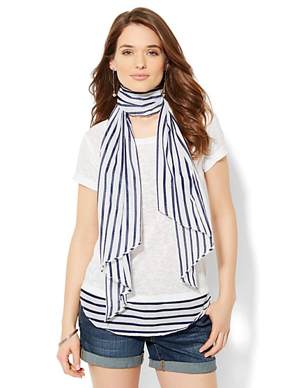 Boyfriend Tee with Scarf - New York & Company