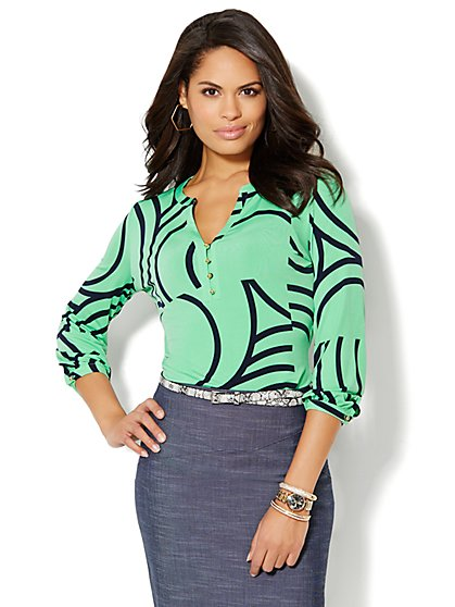 Button-Accent Split-Neck Top - Print   - New York & Company