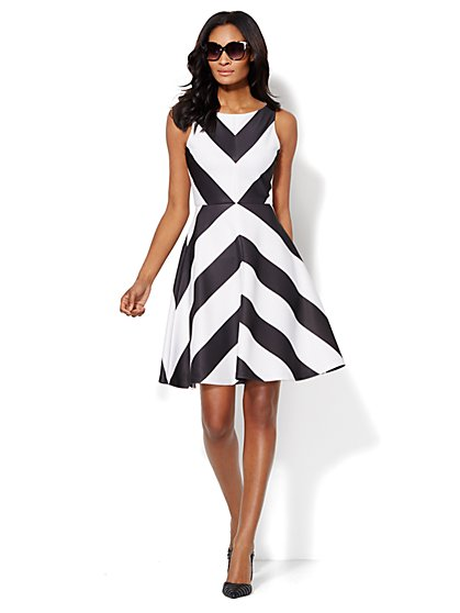 Chevron-Stripe Sleeveless Flare Dress  - New York & Company