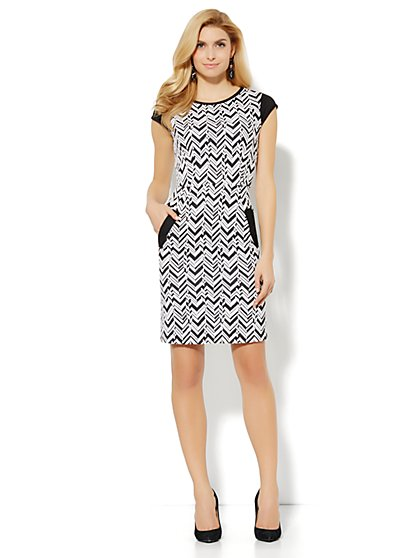 Chevron-Textured Sheath