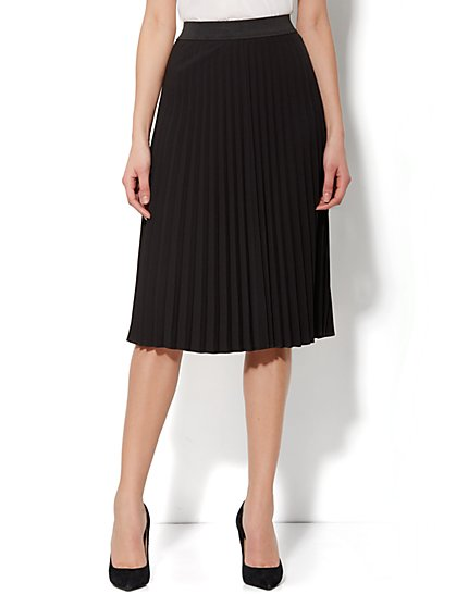 City Crepe - Long Pleated Skirt - Black
