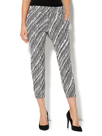 City Crepe - Slim Crop Soft Pant - Print  - New York & Company