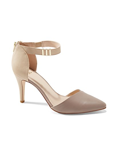 Colorblock T-Strap Pump  - New York & Company