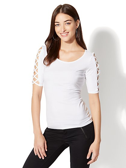 Crisscross-Sleeve Scoopneck Top - New York & Company