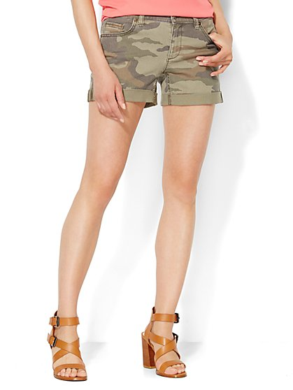 Cuffed Camouflage Short - Olive  - New York & Company