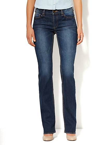 Curvy Bootcut Jean - Vintage Shore Wash - Petite - New York & Company