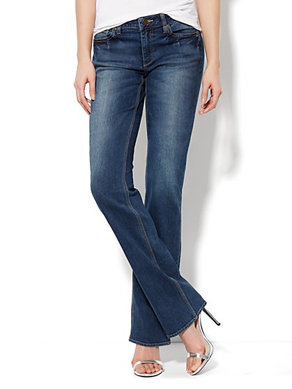 Curvy Bootcut Jean - Vintage Shore Wash - Tall - New York & Company