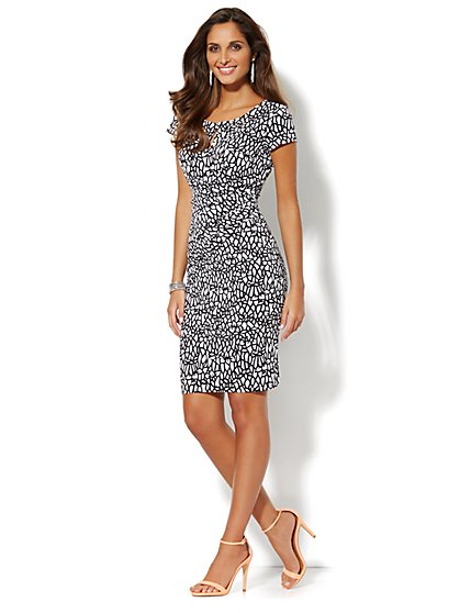 Draped Keyhole Dress - Graphic Print - Black - New York & Company