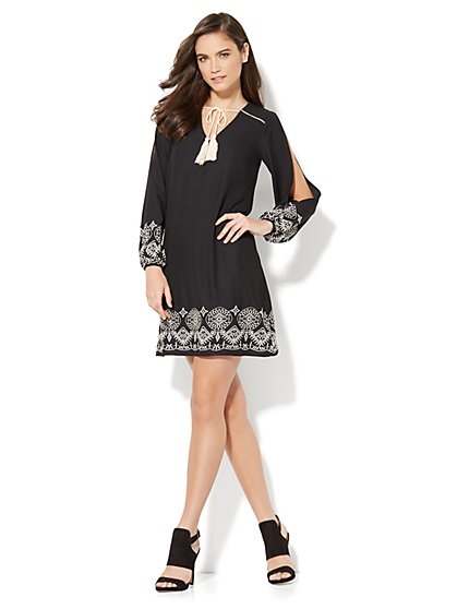 Embroidered Open-Sleeve Shift Dress - New York & Company