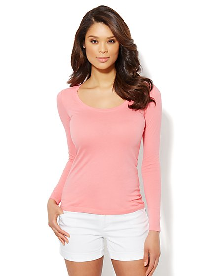 Essential Scoop-Neck Long-Sleeve Tee - New York & Company