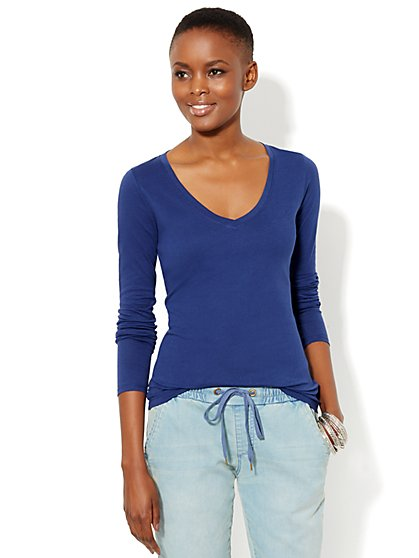 Essential V-Neck Long-Sleeve Tee - New York & Company