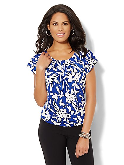Flutter-Sleeve Pleated Top - Abstract Print  - New York & Company