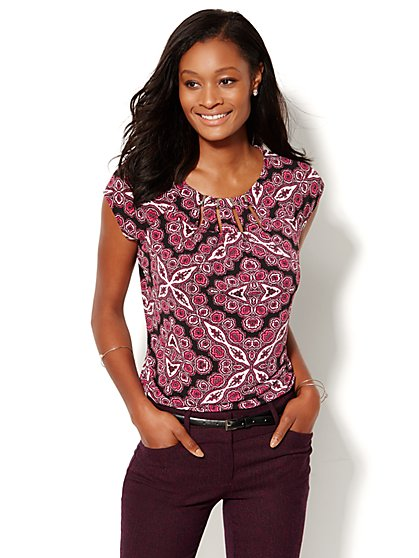 Hardware-Accent Cutout Top - Print - New York & Company