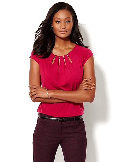 Hardware-Accent Cutout Top - New York & Company