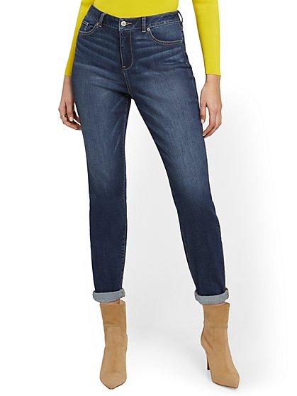 High-Waisted Curvy Boyfriend Jeans - Blue Oasis - New York & Company
