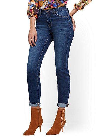 High-Waisted Curvy Boyfriend Jeans- Foxy Blue - New York & Company