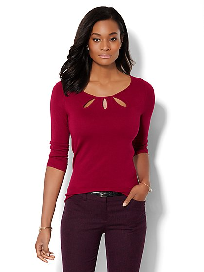 Keyhole Trio Pullover - Solid  - New York & Company