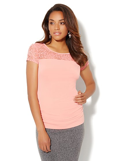 Lace Panel Shirred Stretch Tee  - New York & Company