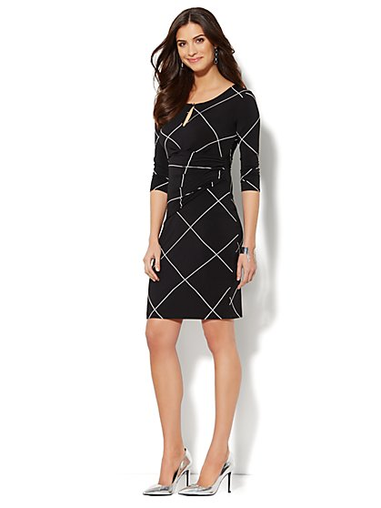 Linear-Print Scoopneck Dress  - New York & Company