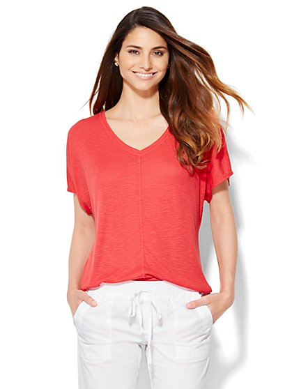 Lounge - Hi-Lo V-Neck T-Shirt - Ribbed  - New York & Company