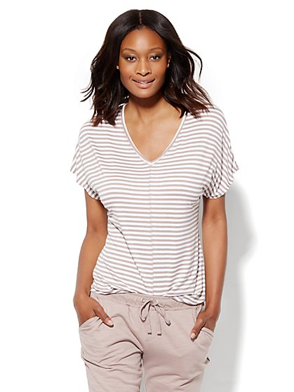 Lounge - Hi-Lo V-Neck T-Shirt - Stripe  - New York & Company