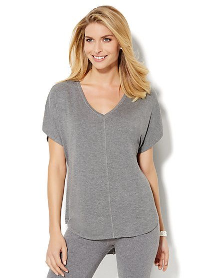 Lounge - Hi-Lo V-Neck Tee  - New York & Company