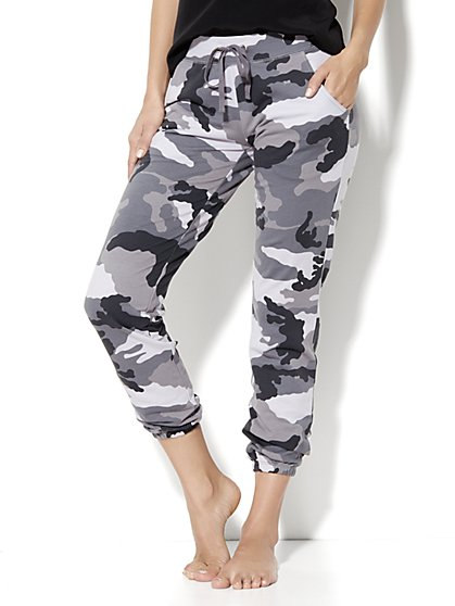 Love, NY&C Collection - Slim Slouch Crop Pant – Camo
