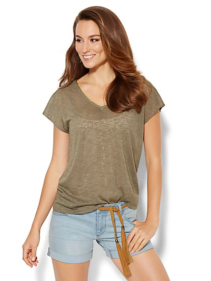 Lurex-Trim V-Neck Tee - New York & Company