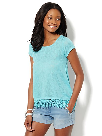 Manhattan Tee - Crochet-Trim Sharkbite - New York & Company