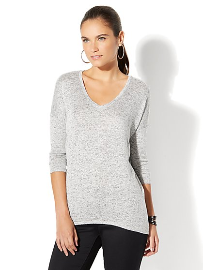 Manhattan Tee - Hi-Lo V-Neck Dolman Top - Light Heather Grey - New York & Company