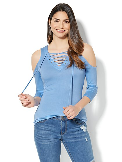 Manhattan Tee - Lace-Up Cold-Shoulder Top - New York & Company