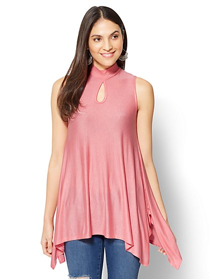 Manhattan Tee - Mock-Neck Tunic Top - New York & Company